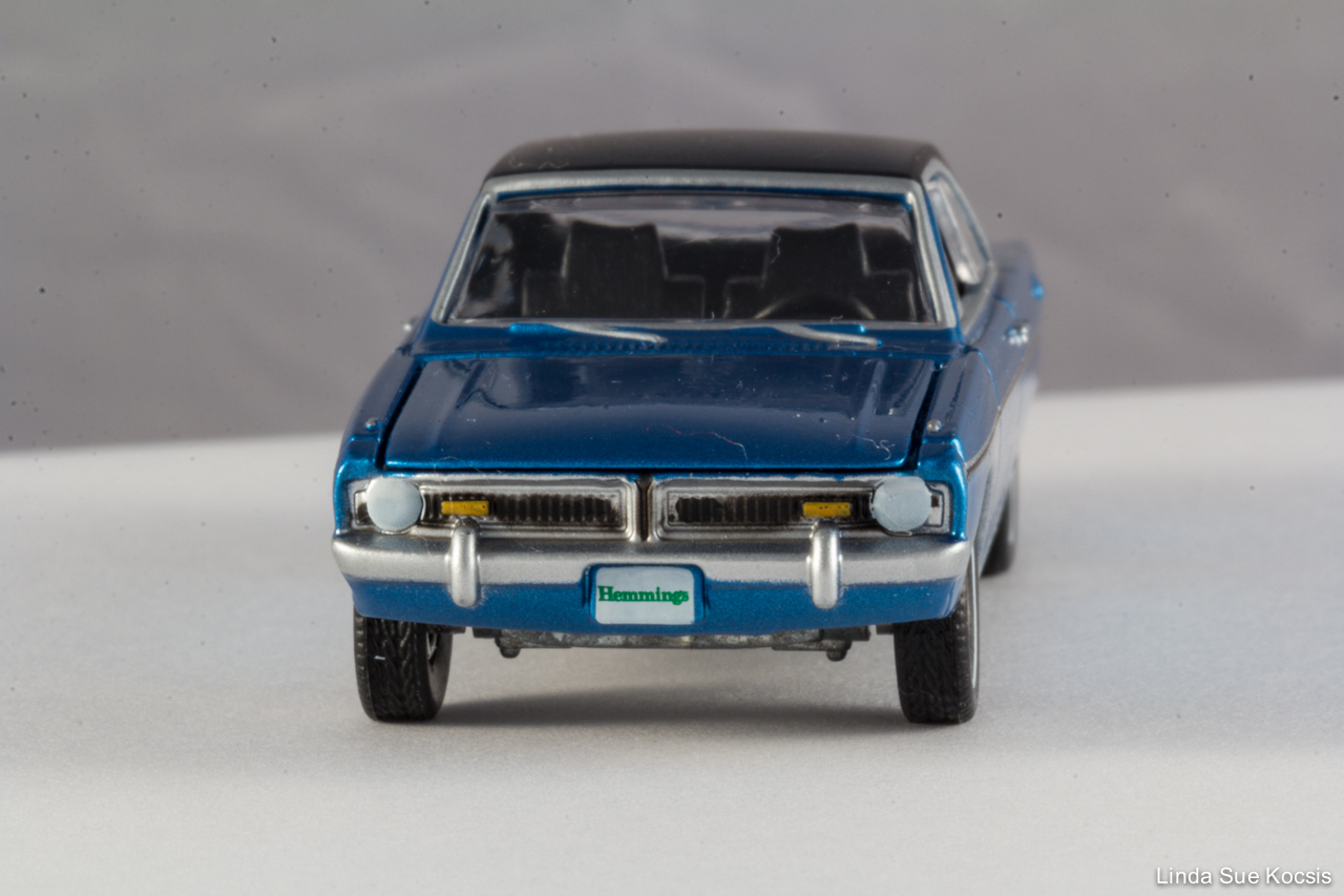 Toy Dodge Dart Swinger